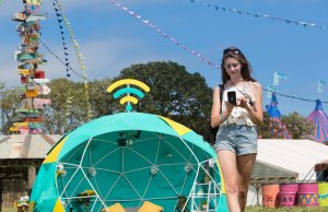 EE's smart tent at Glastonbury