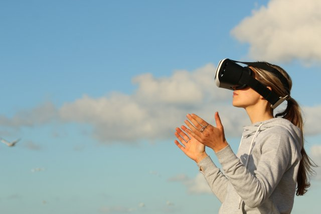 AR headsets for business dominate says IDC