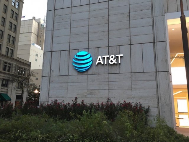 AT&T commits to $200 million investment in IoT start-ups