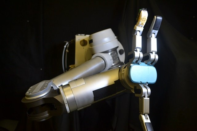 Robot with flexible sensor skin developed