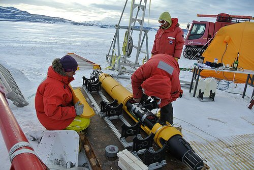 Underwater Antarctic robot Icefin prepares for Jupiter mission