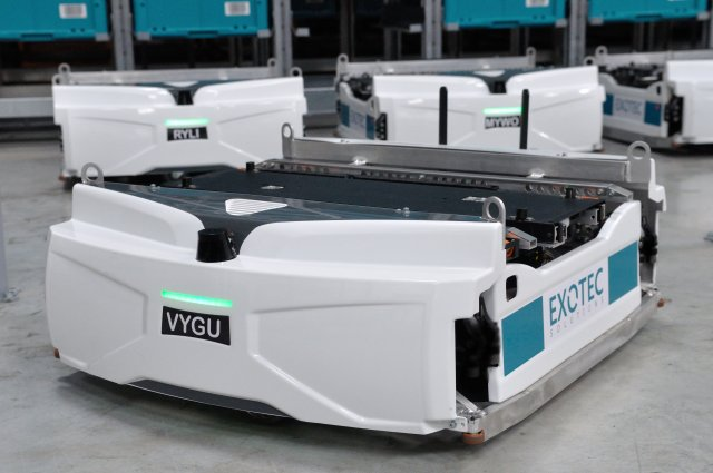 exotec skypod robots for logistics and retail e-commerce
