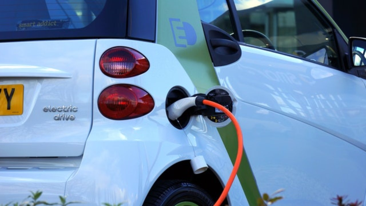 Electric car demand supercharges lithium-ion battery market