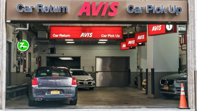 Brokers Opinions on: Avis Budget Group, Inc. (CAR)